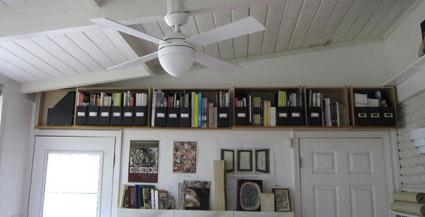 Soluci n para almacenar en espacios peque os sobre la - Trucos almacenaje para pisos pequenos ...
