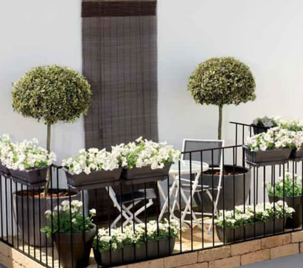Peque os balcones muy especiales decoratrucosdecoratrucos - Maceteros colgantes para balcones ...