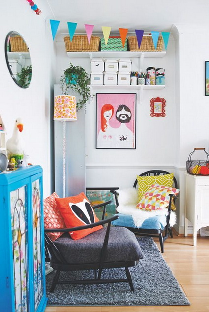 Salas coloridas decoratrucosdecoratrucos for Quirky living room ideas