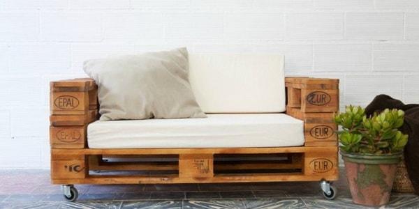 Sofá con palets de madera