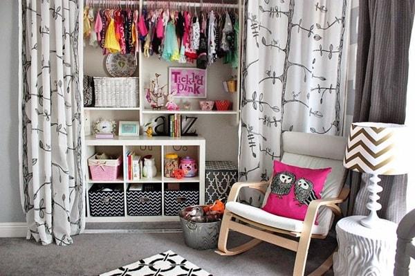 Vestidores abiertos con cortinas ideas de armarios con - Cortinas para armarios sin puertas ...