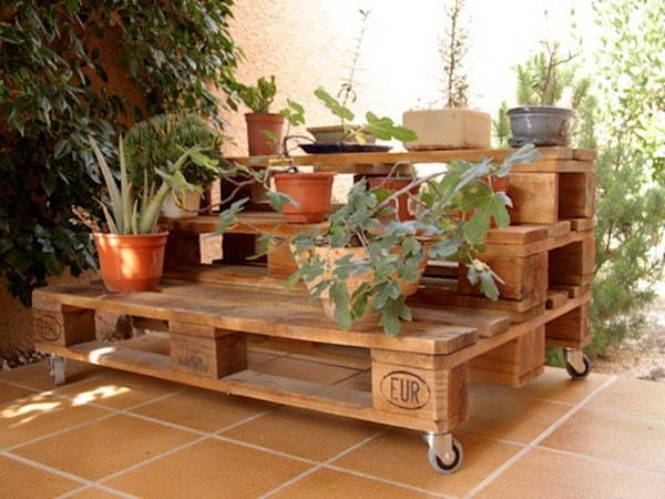 Jardín móvil hecho con palets de madera