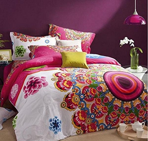 Mandalas coloridos en el dormitorio