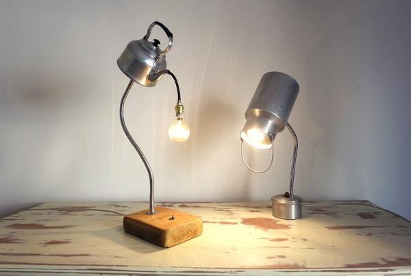 Lámparas artesanales hechas con utensilios de cocina