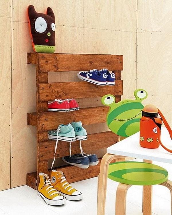 Zapatero DIY con palet de madera