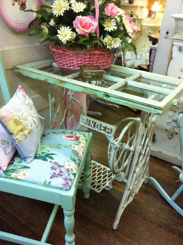 Mesas DIY hechas con máquinas de coser
