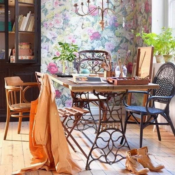 Mesas hechas con máquinas de coser antiguas