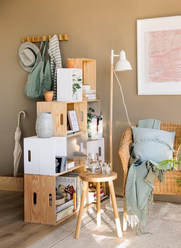 Separar ambientes con cajas de madera
