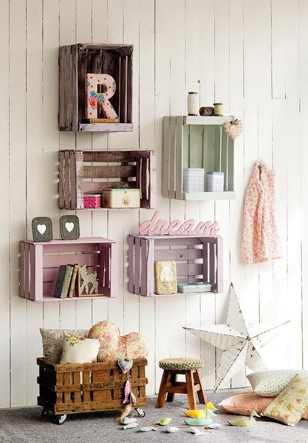 Estanterías hechas con cajas de madera