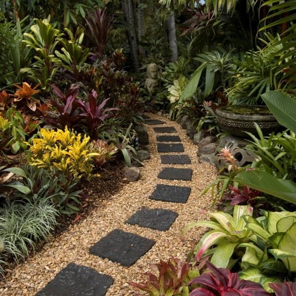 Senderos para jardines con piedras