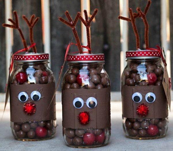 Dulces navideños en frascos de vidrio