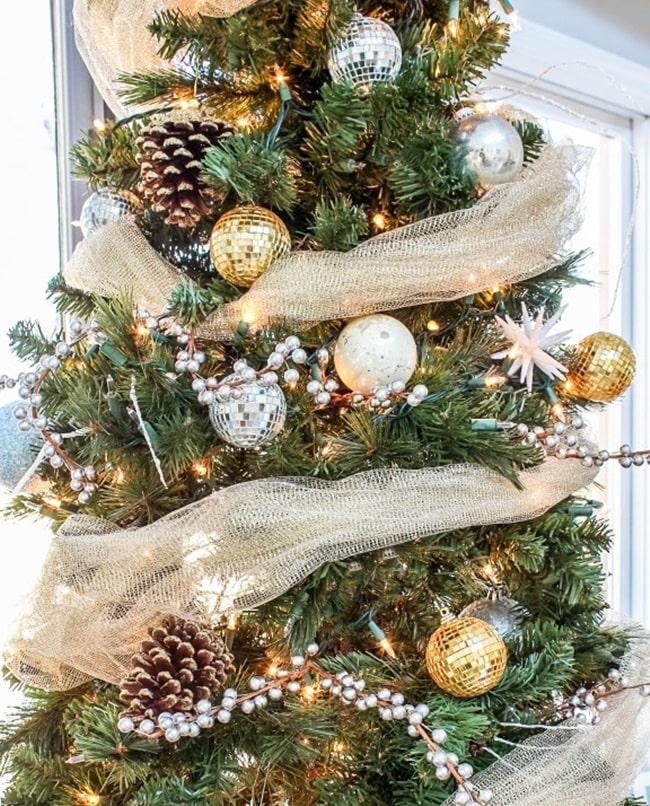 Decoración de Navidad en color dorado