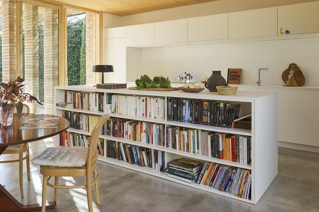 Librerías en muebles bajos